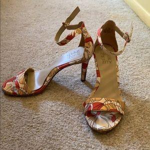 Naturalizer floral print heels size 7